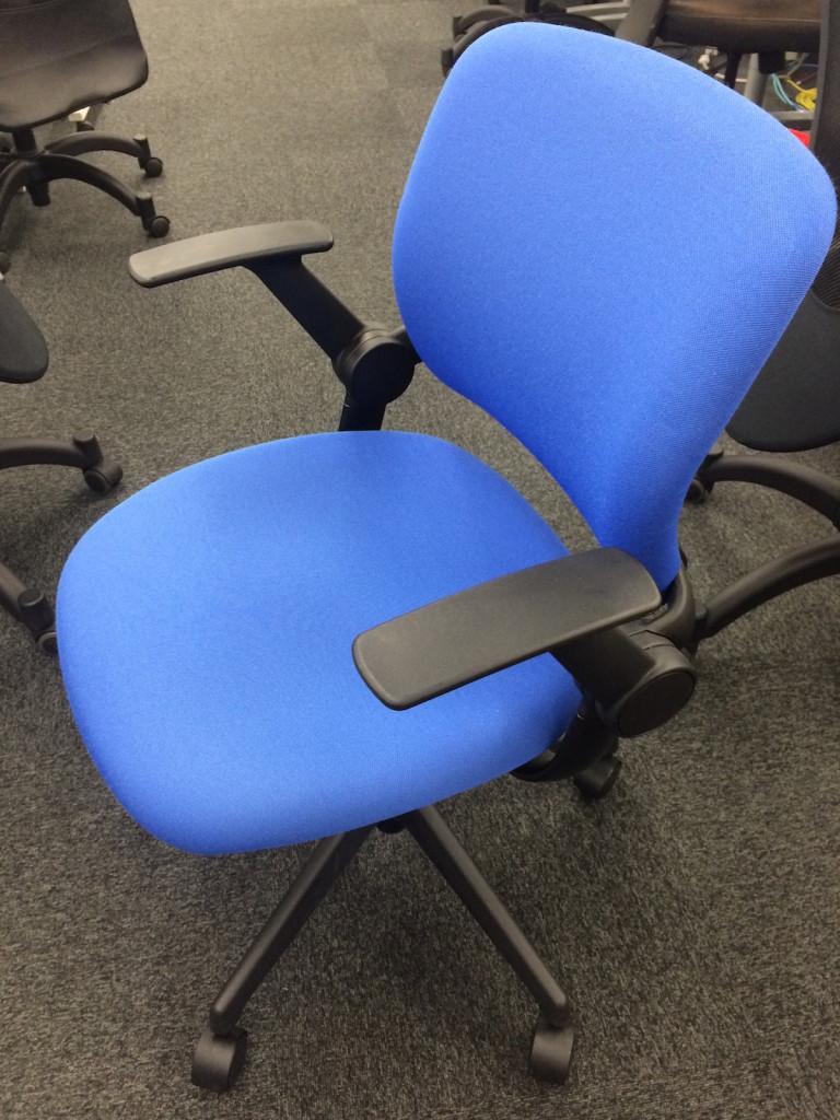 僕の後ろにあった椅子